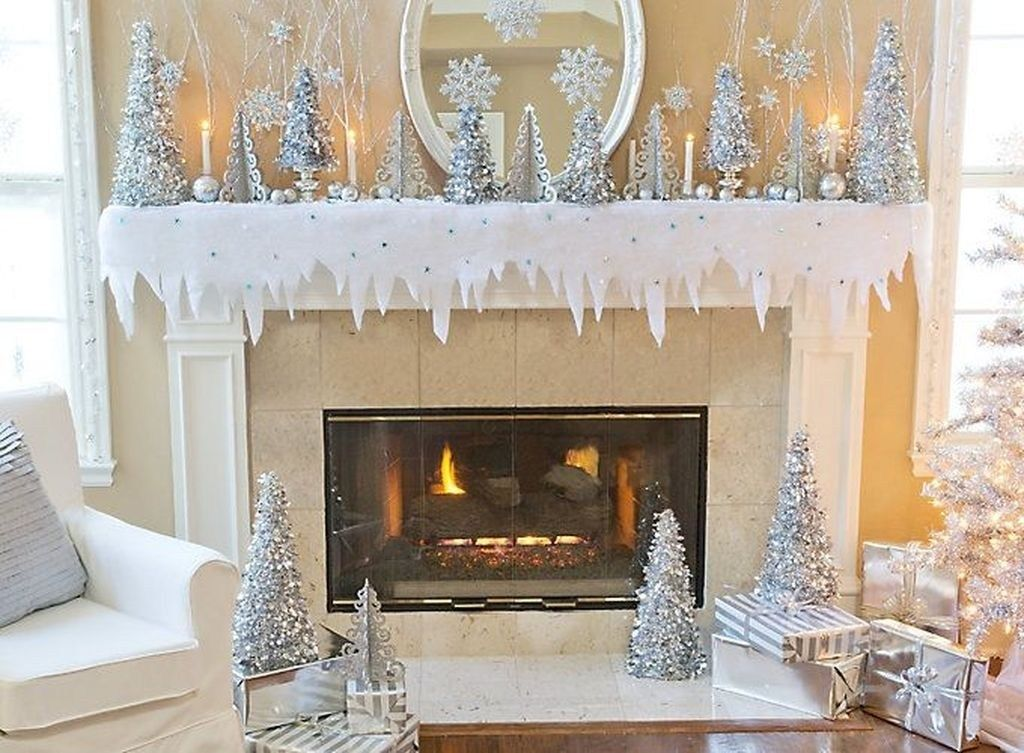 Lovely Winter Wonderland Home Decoration Ideas Look Beautiful 24