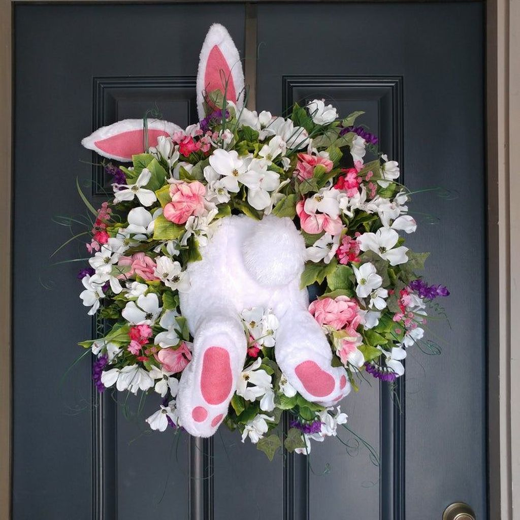 Brilliant Spring Door Wreaths Design Ideas 21