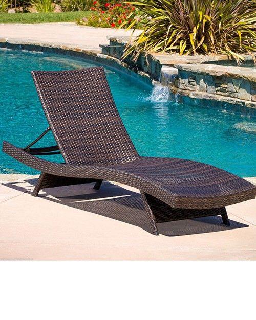Swimming Pool Lounge Chairs