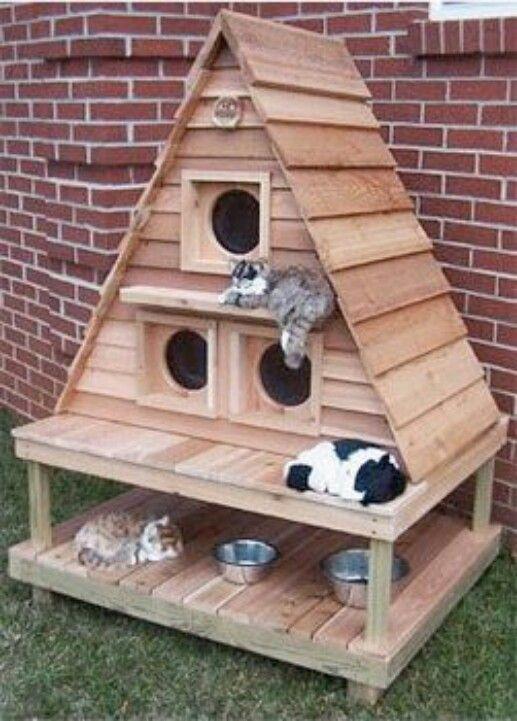 DIY Outdoor Cat House
