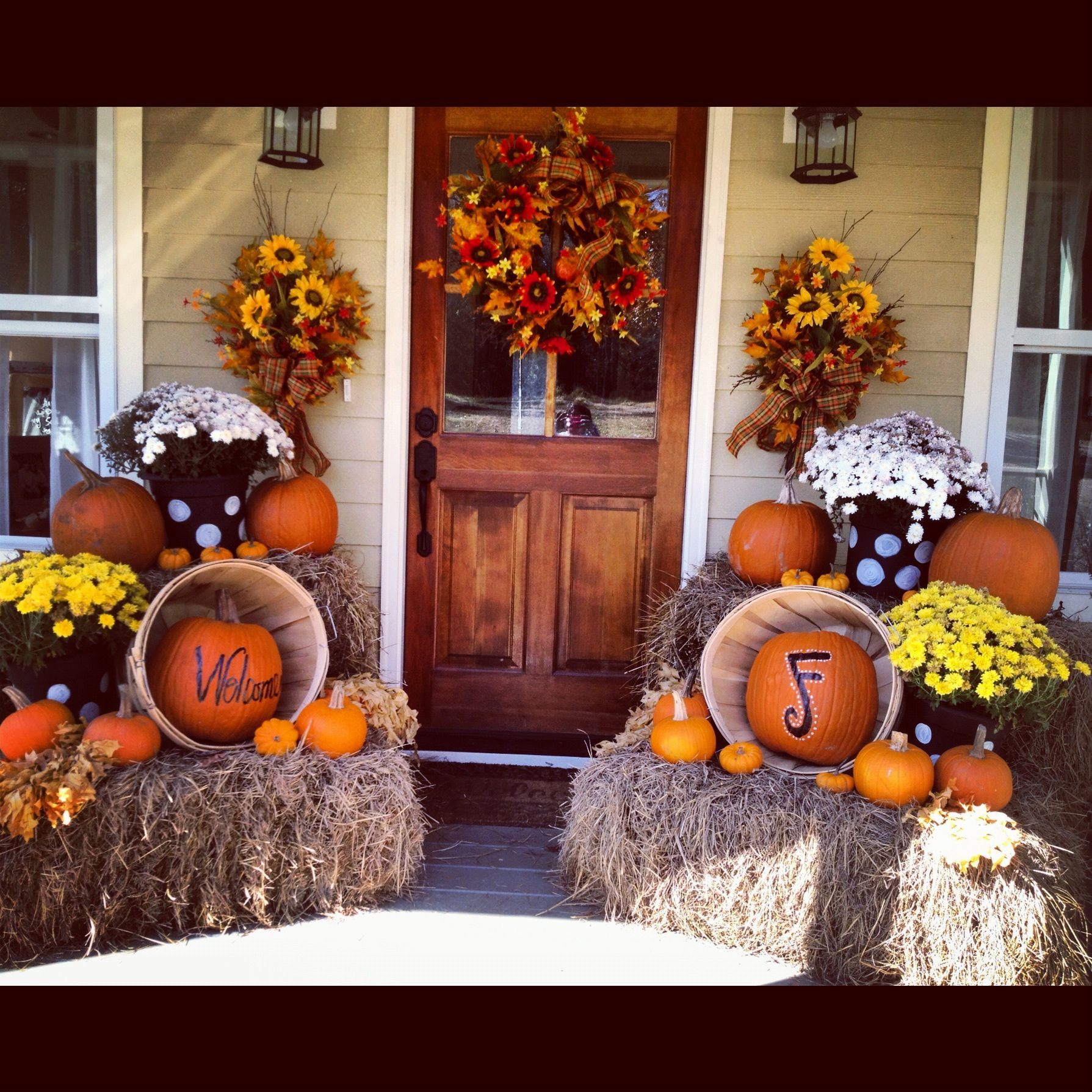 Outdoor Fall Decorating Ideas Doors & Porches